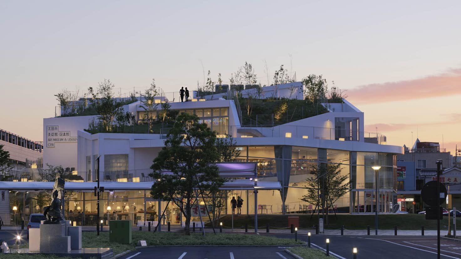 建築を「生成する生命活動の一部」ととらえる。建築家・平田晃久の ...