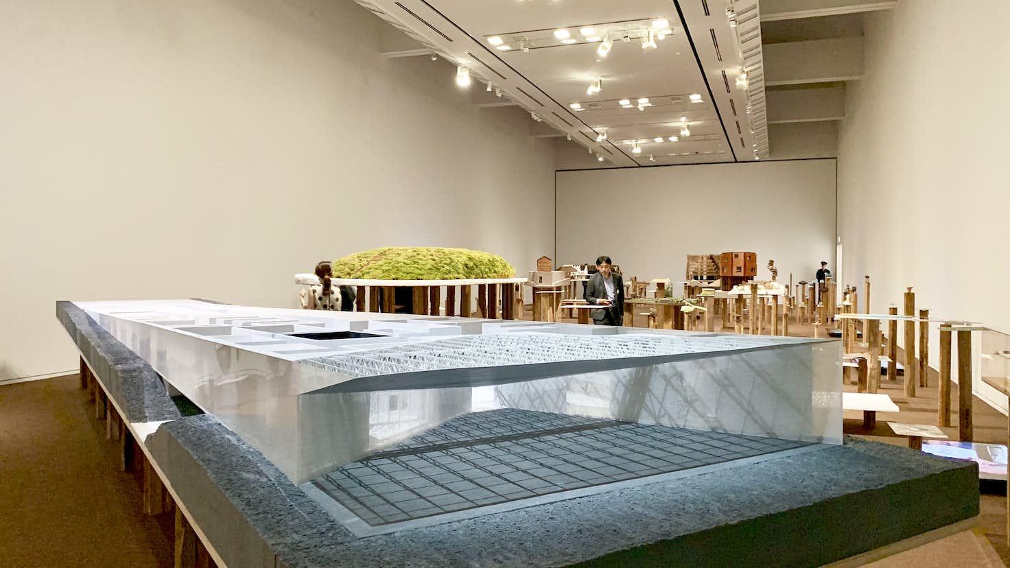 田根剛の大規模個展「未来の記憶」がオペラシティで開幕。これまでの ...