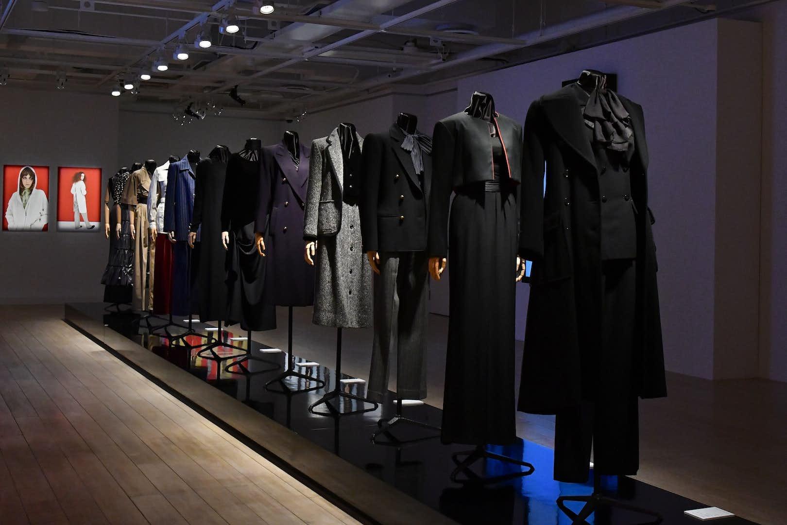 online store b8955 b7e69 イヴ・サンローランのファッション史を彩るヴィンテージが集結 ...
