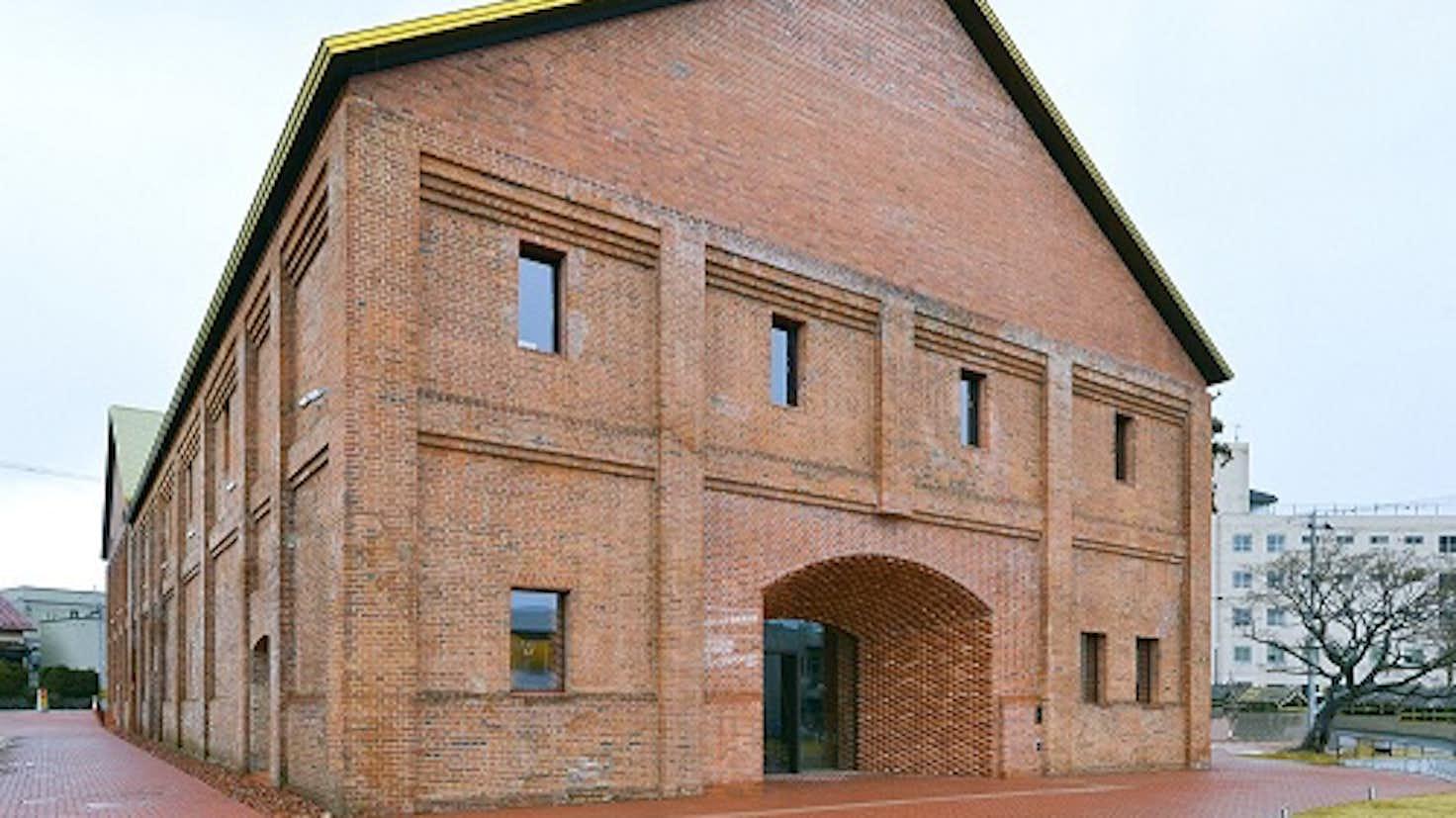 田根剛設計「弘前れんが倉庫美術館」が竣工。建築が公開|美術手帖