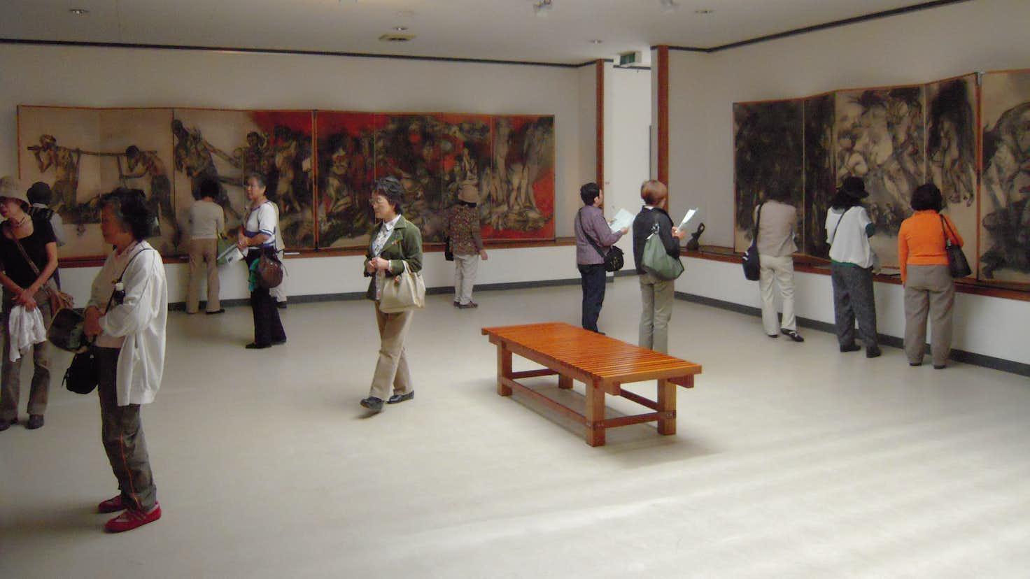 の 図 美術館 原爆 丸木